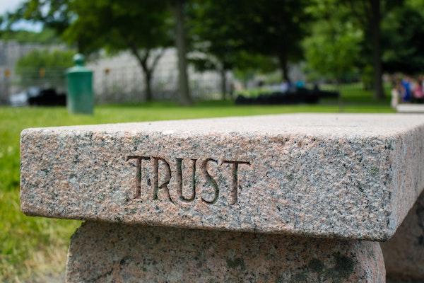 چطور به یک شرکت حمل و نقل بین المللی اعتماد کنیم؟